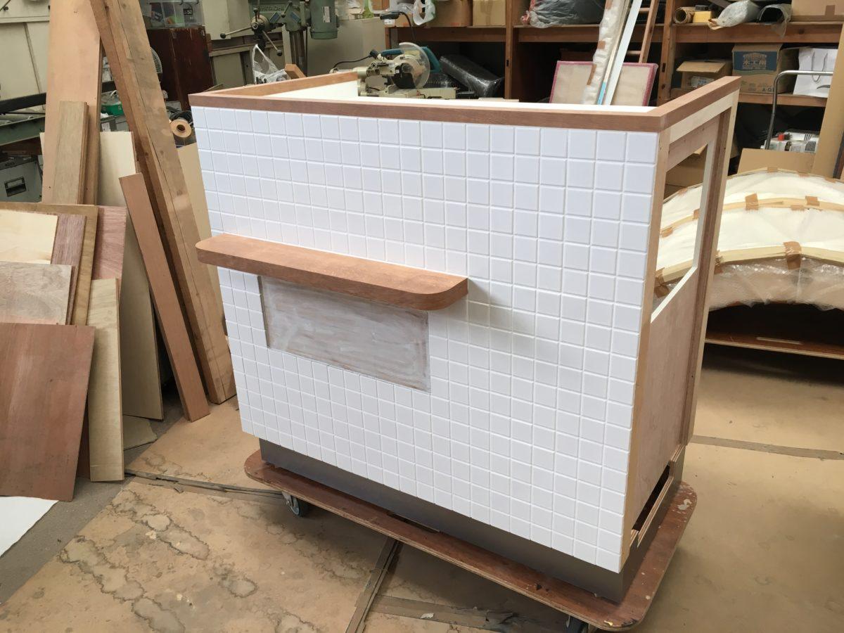 店舗什器 木工 タイル